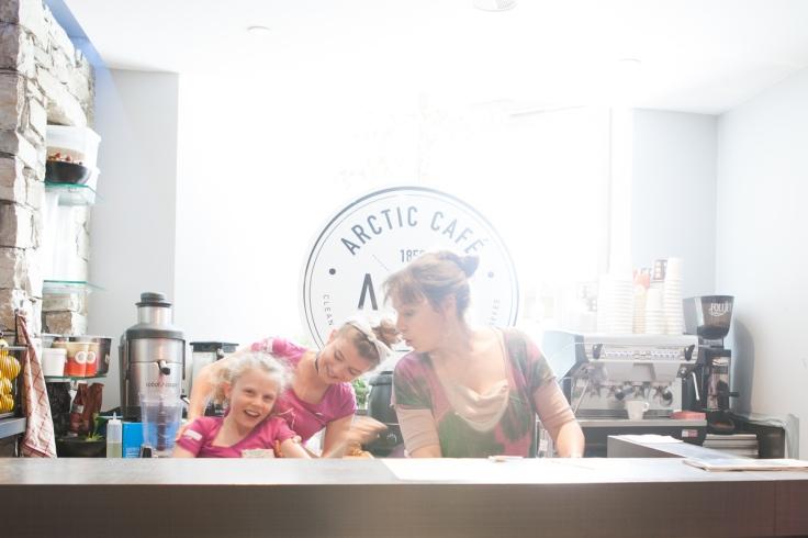 Arctic Café Melo, Leslie & Clem